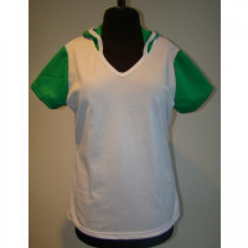 Футболка женская c зеленым капюшоном и рукавами